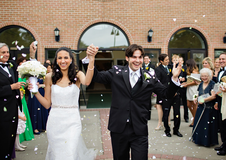 014-confetti-wedding-exit-photo