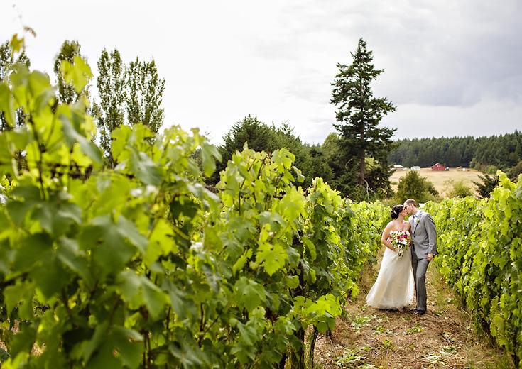 lopez-island-vineyard-wedding-photo